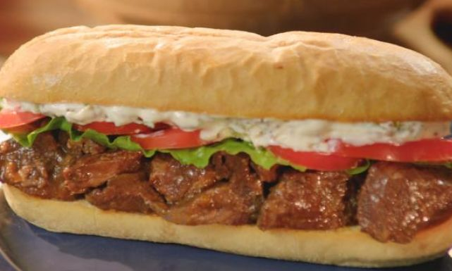 كيفية طهي ساندوتش لحم بقري إيطالي